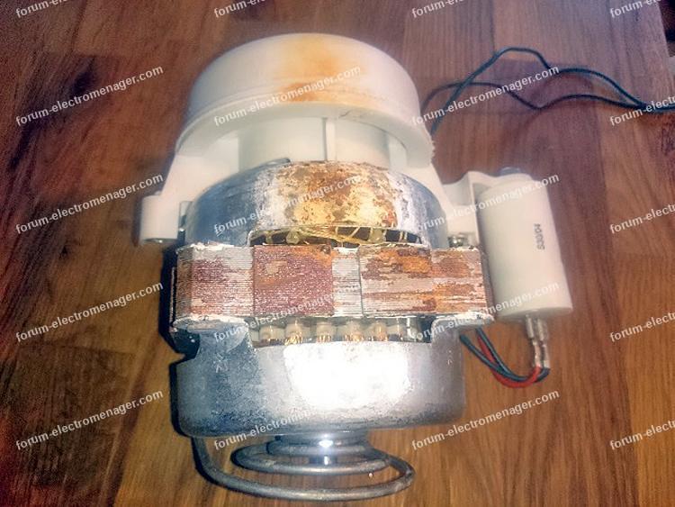 pompe cyclage lave vaisselle Ariston