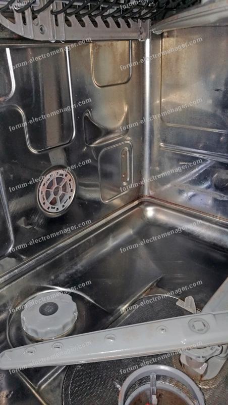 champignons moisissures dans lave vaisselle