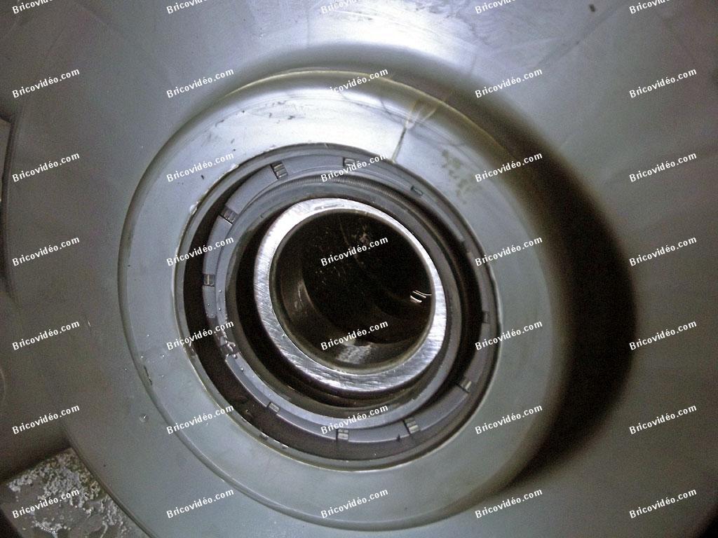 Changer roulements machine à laver Brandt