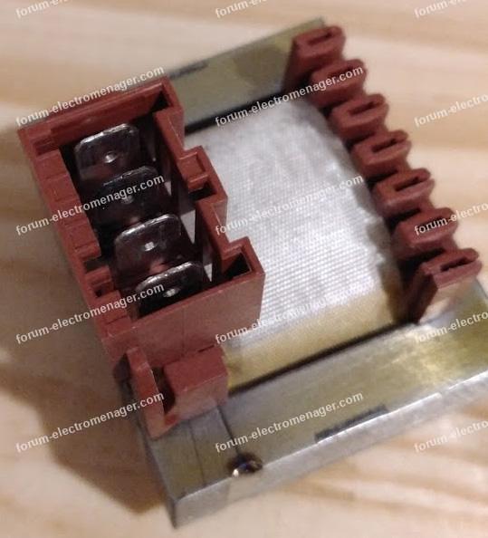 dépannage lave linge Whirlpool AWOE41048