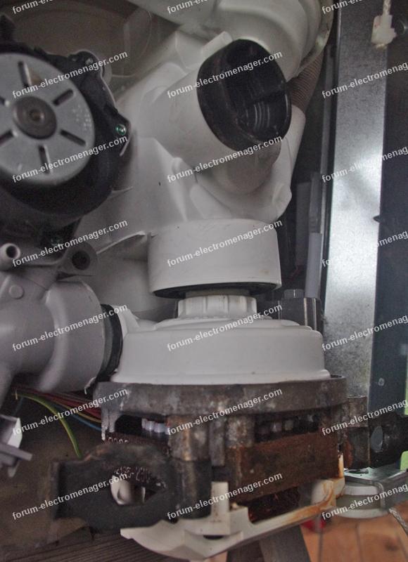 fuite joint pompe de cyclage lave vaisselle