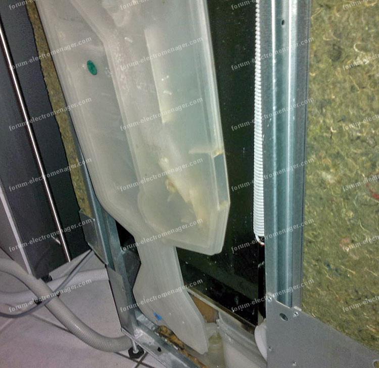 Fuite d 39 eau lave vaisselle whirpool conseils r paration - Fuite lave vaisselle ...