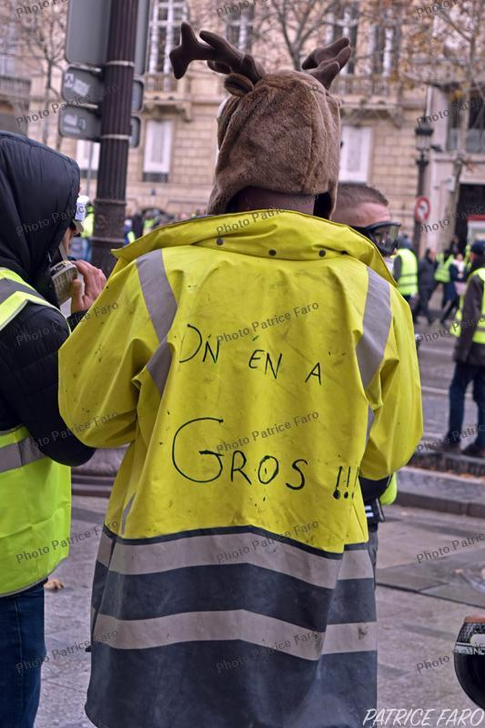 gilets jaunes photos consacr es aux manifestations des gilets jaunes dans paris. Black Bedroom Furniture Sets. Home Design Ideas
