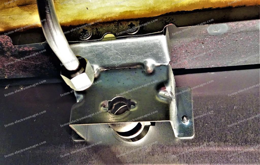 raccordement four gaz cuisinière Indesit