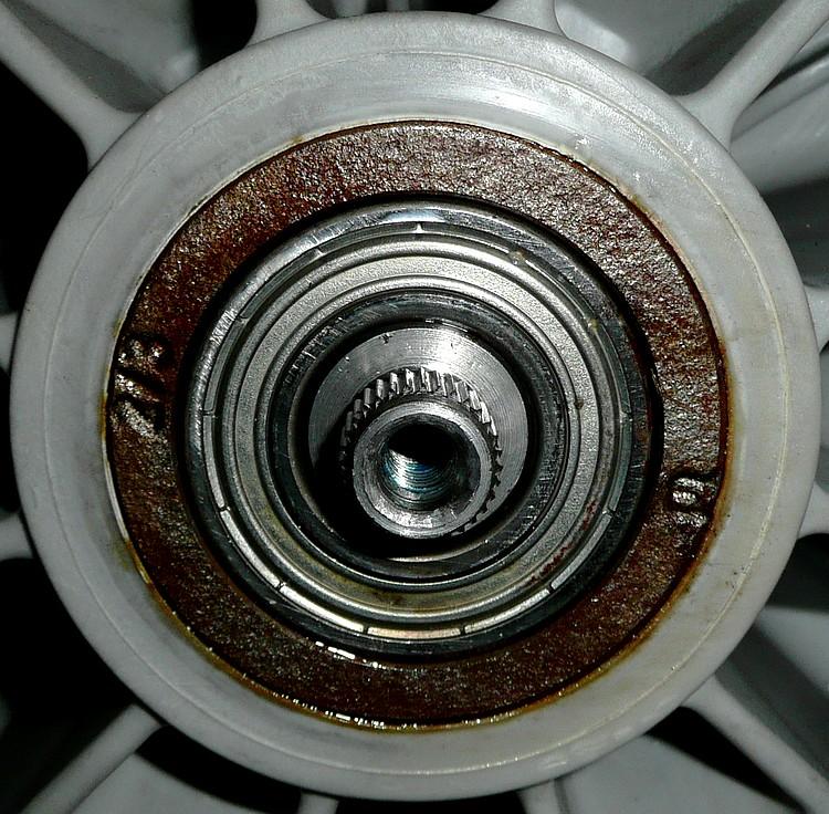 Questions panne changer roulement machine laver brandt wfh 1277 f - Comment demonter le tambour d une machine a laver ...