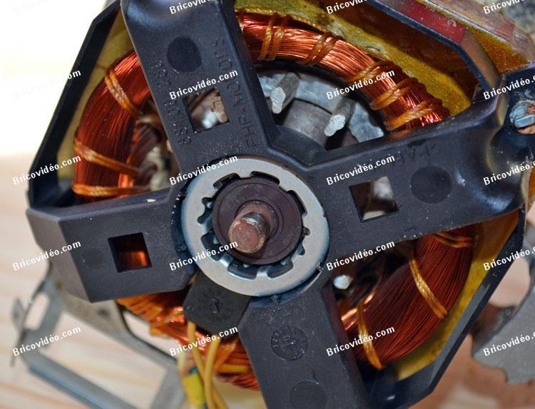 pompe de cyclage lave-vaisselle AEG